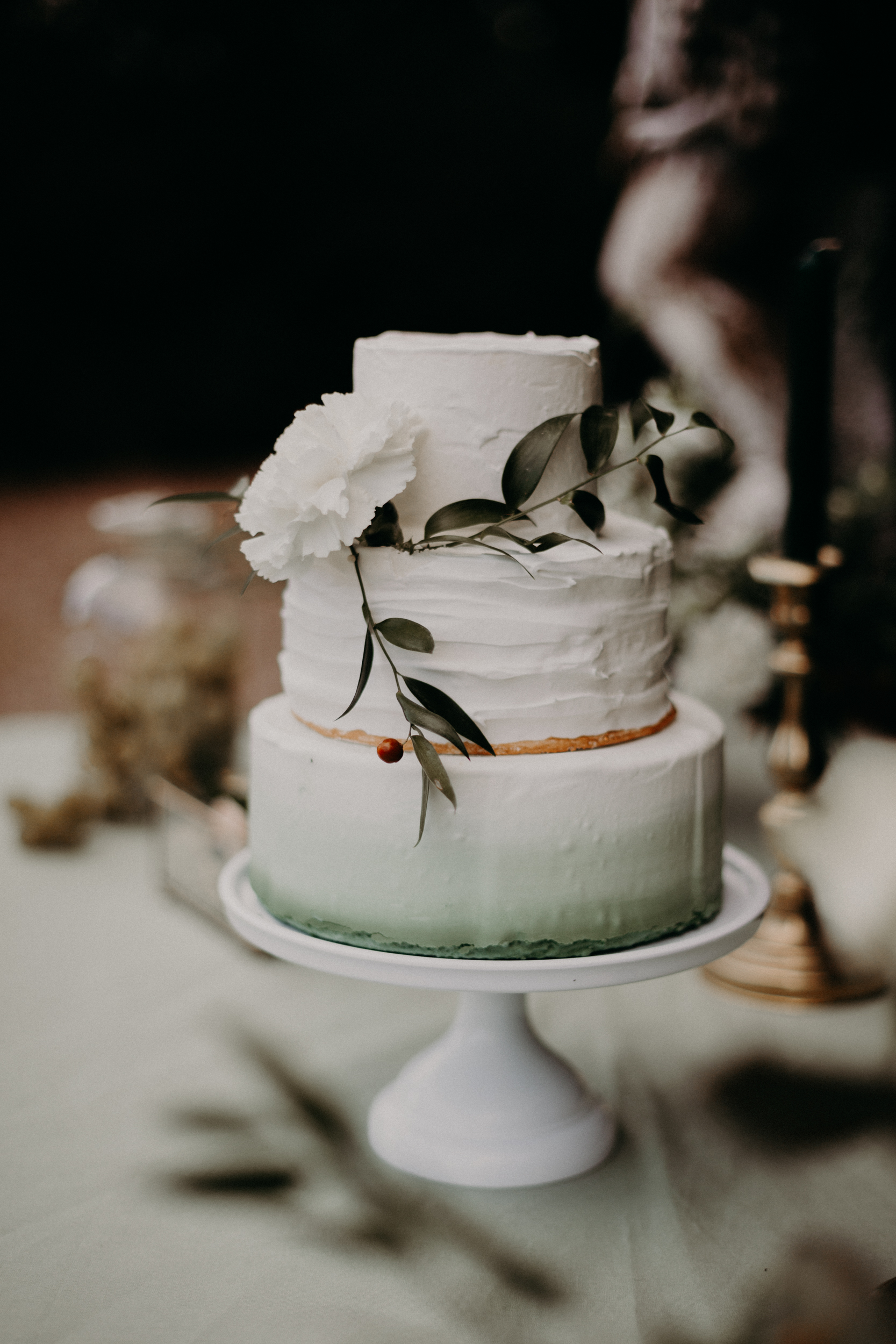 Wedding cake green chic